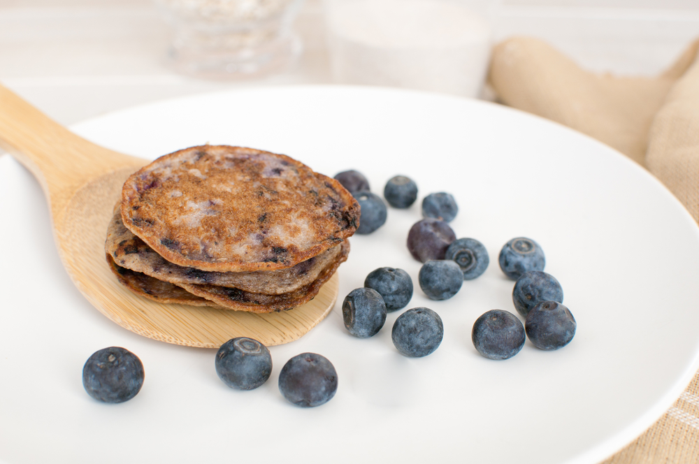 Blueberry pancakes from healthy oats and whole wheat
